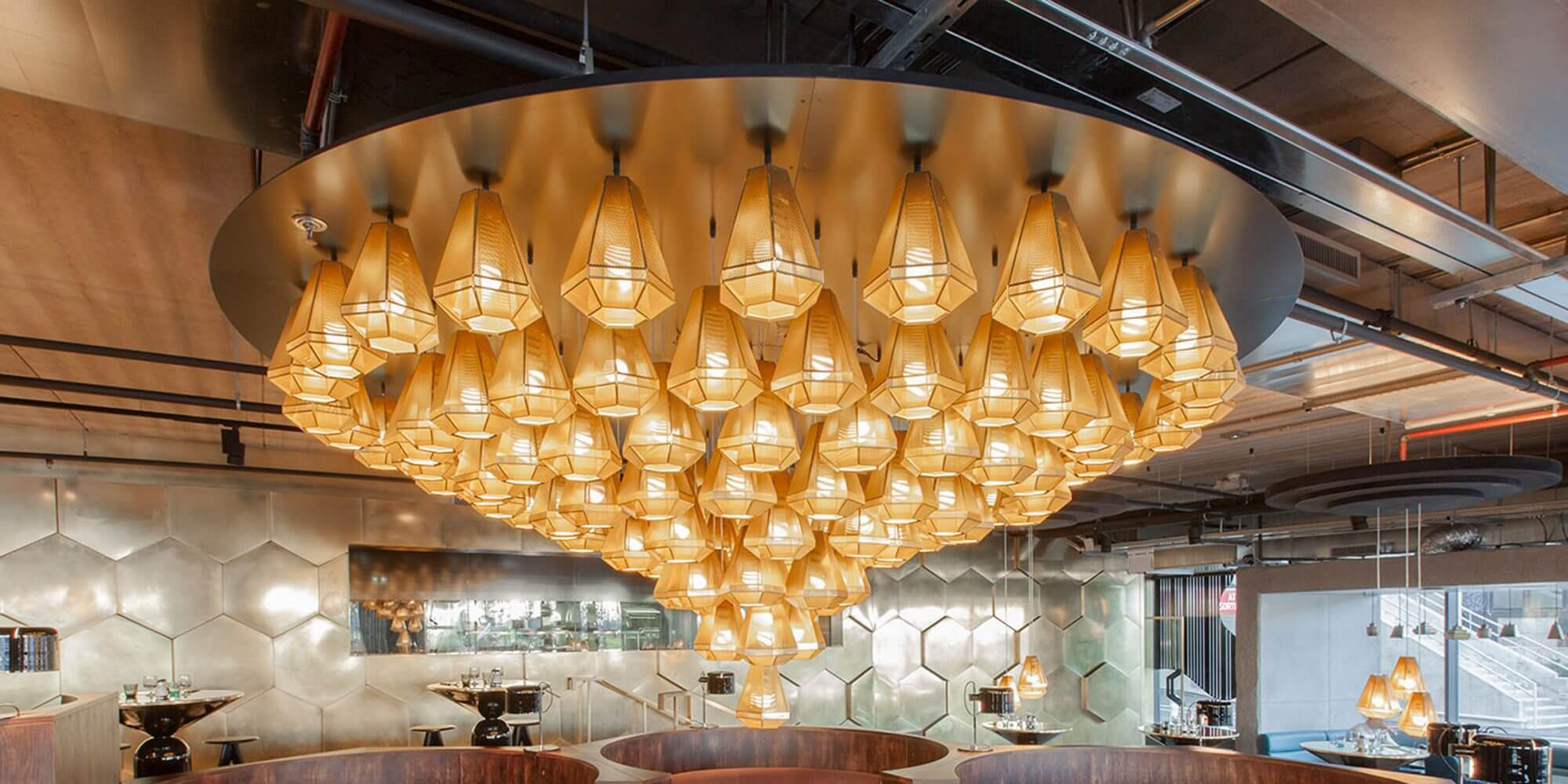 תאורה במסעדה